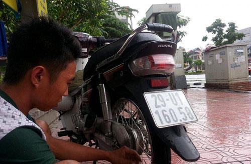 Đi tác nghiệp, phóng viên bị kẻ gian lấy mất xe máy - 1