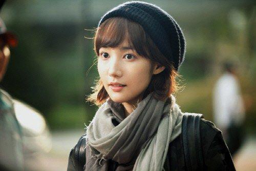 Bạn gái cũ của Lee Min Ho kết duyên với phi công trẻ - 1
