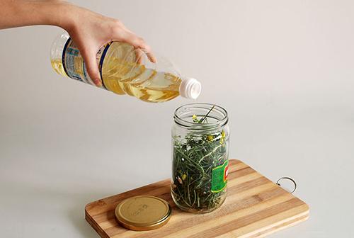 Tự làm tinh dầu rẻ tiền dưỡng da cực tốt - 4