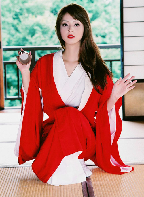 """Top 5 mỹ nữ Nhật mà chị em muốn """"sao y bản chính"""" - 3"""