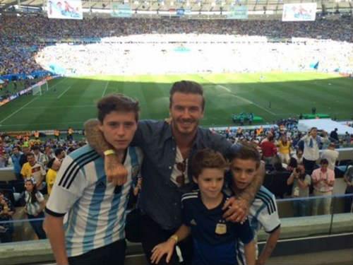 Mỗi thành viên nhà David Beckham đều là một cỗ máy in tiền - 1