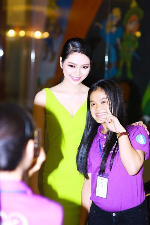 """""""Hoa hậu tóc dài"""" nhất Việt Nam ngày càng kiều diễm - 7"""