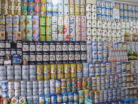 Bộ Tài chính đề nghị DN giảm quảng cáo để hạ giá sữa - 1