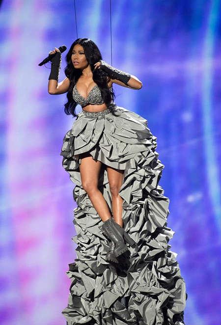 Giọng ca 9x Ariana Grande thắng lớn tại MTV EMAs 2014 - 7