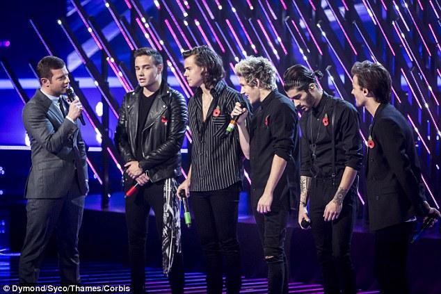 One Direction tái hợp trên sân khấu X-Factor - 1
