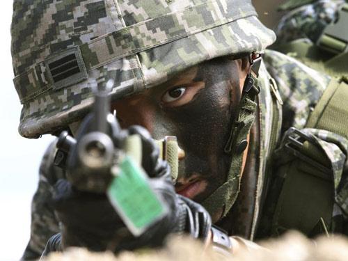 Biên phòng Hàn Quốc bắn về phía lính Triều Tiên - 2