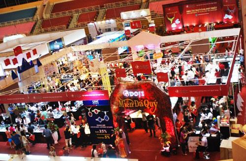Thành công của DOJI tại hội chợ VIJF 2014 - 1