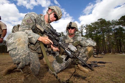 Lính dù Mỹ chống IS: Xung đột với đặc nhiệm (Kỳ 3) - 2