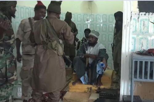 Nigeria: Đóng giả học sinh vào trường đánh bom tự sát - 2