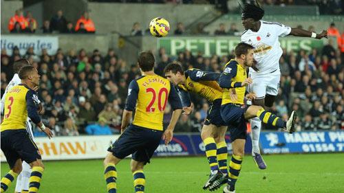 Arsenal thua ngược: Cần lắm chút thực dụng - 1