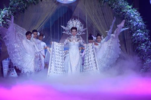Á hậu Mrs World Thu Hương đẹp như nữ thần trong triển lãm Bridal Fair 2014 - 1