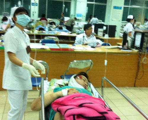 Một phụ nữ bị cướp đạp ngã xe chấn thương sọ não - 2