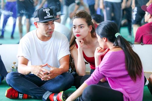 Hà Hồ khoe mặt mộc, dáng chuẩn bên vũ công quốc tế - 6