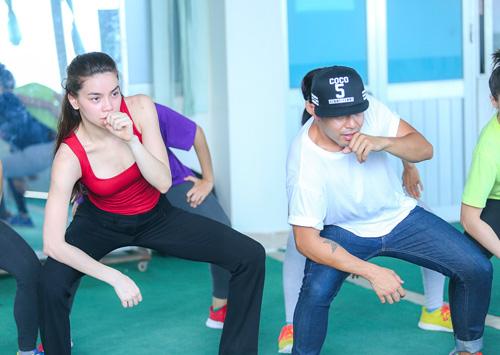 Hà Hồ khoe mặt mộc, dáng chuẩn bên vũ công quốc tế - 8
