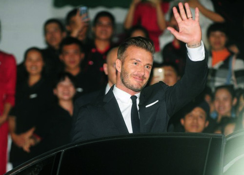 """Beckham điển trai đến VN khiến fan nữ """"điên đảo"""" - 12"""