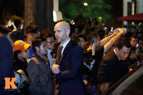 """Beckham điển trai đến VN khiến fan nữ """"điên đảo"""" - 9"""