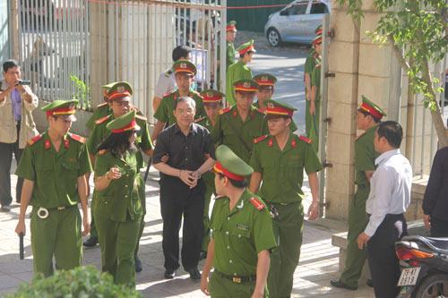 Dương Chí Dũng có mặt tại phiên xử vụ ụ nổi 83M - 2
