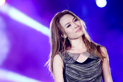 Live concert Mỹ Tâm được fanpage giải thưởng thế giới quan tâm - 4