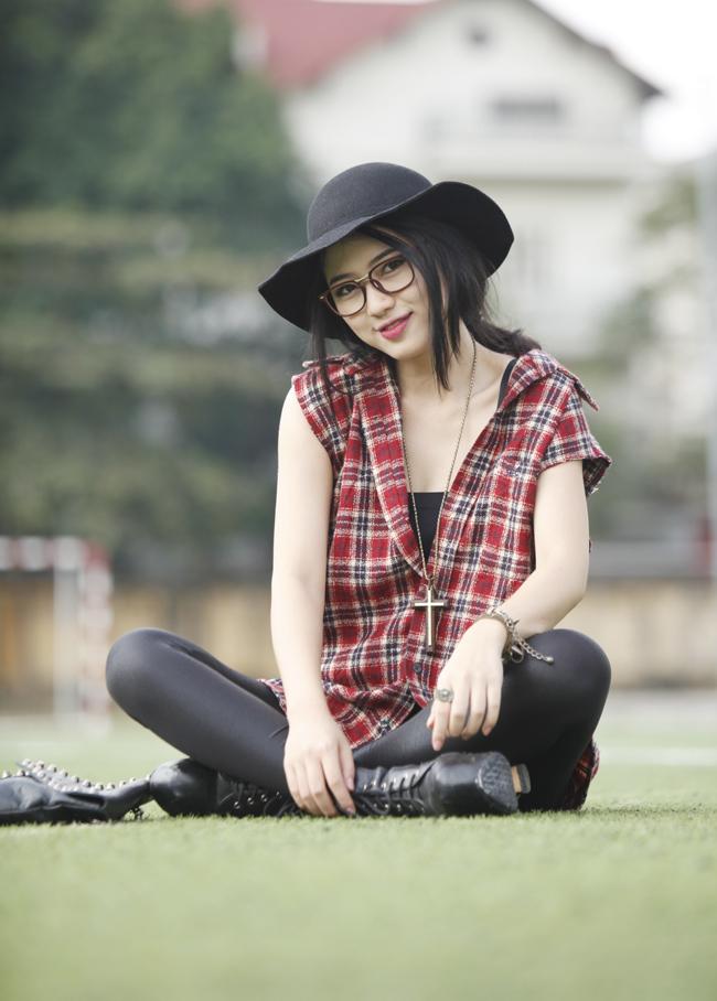 Trang Cherry tên thật là Hoàng Thu Trang, sinh năm 1991 tại Nghệ An