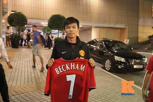 Không được gặp mặt Beckham, fan MU ở VN buồn rầu - 4
