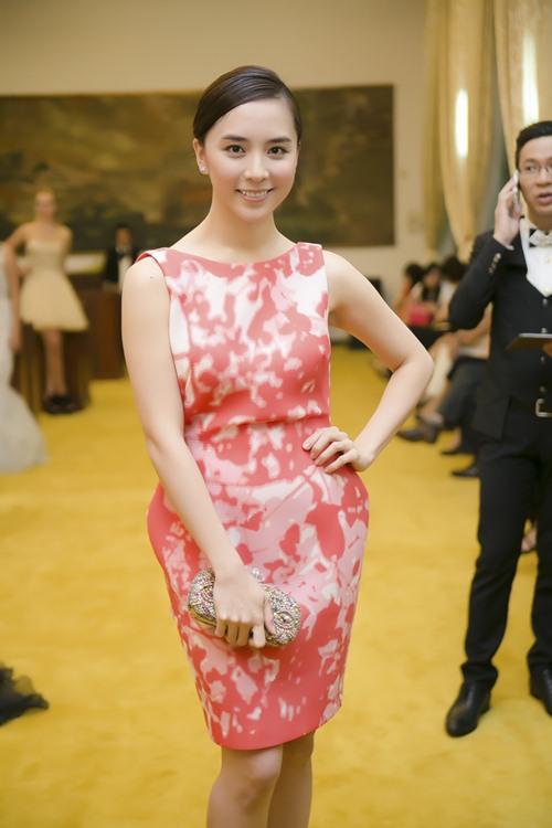 Hoa hậu Thu Thảo mong manh tựa thiên thần - 3