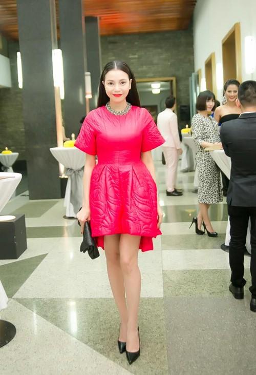Hoa hậu Thu Thảo mong manh tựa thiên thần - 6