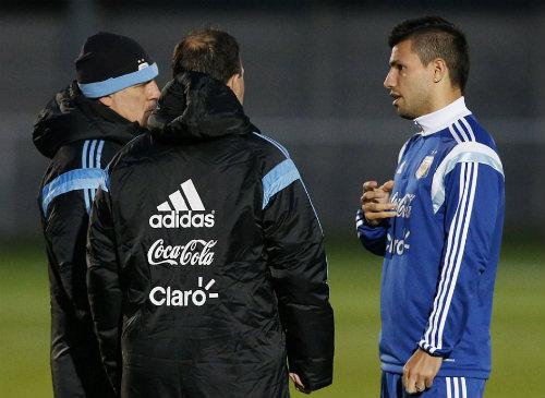 """Trở lại đội tuyển, Tevez lên tiếng """"nịnh"""" Messi - 7"""