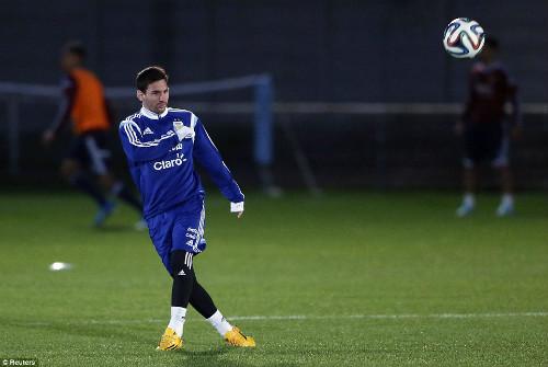 """Trở lại đội tuyển, Tevez lên tiếng """"nịnh"""" Messi - 2"""