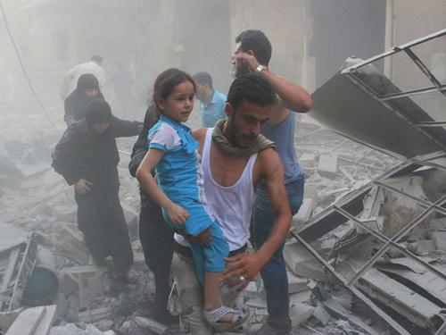 Cậu bé Syria giả chết cứu em trong làn đạn bắn tỉa - 3