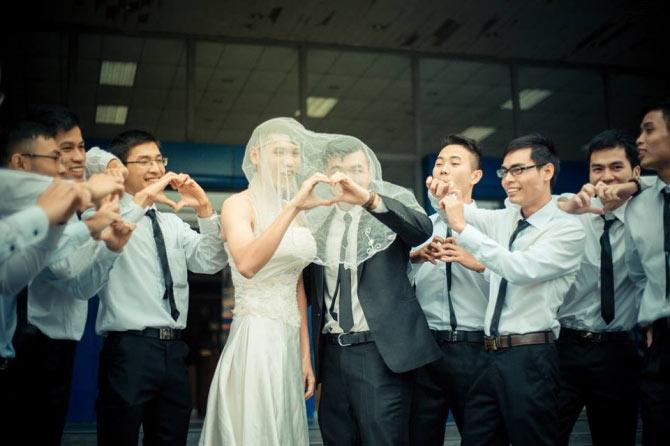 """SV Bách Khoa gây sốt với """"đám cưới kỷ yếu"""" - 1"""