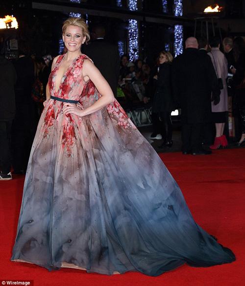 """Jennifer Lawrence đẹp """"hút hồn"""" ra mắt """"Trò chơi sinh tử 3"""" - 8"""