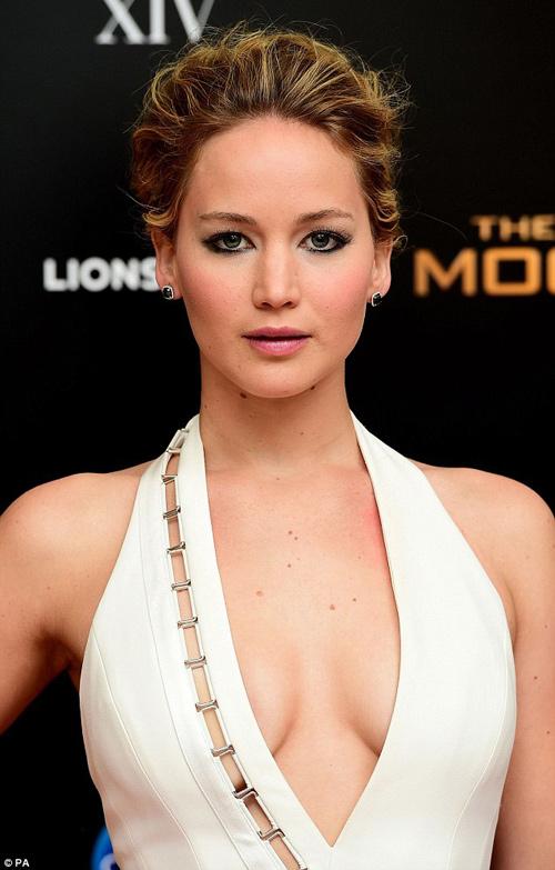 """Jennifer Lawrence đẹp """"hút hồn"""" ra mắt """"Trò chơi sinh tử 3"""" - 2"""