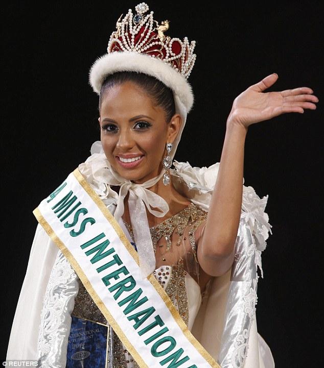 Miss International: Đặng Thu Thảo ra về trắng tay! - 4