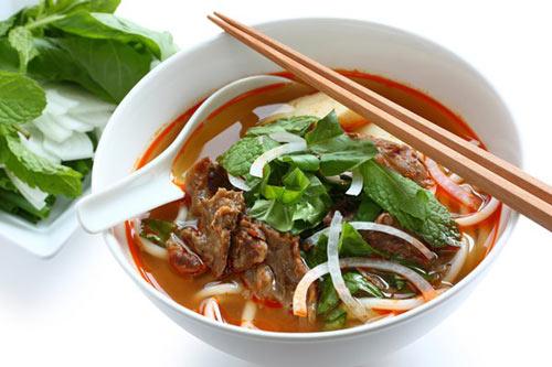 Những món ăn nổi tiếng cố đô Huế - 2
