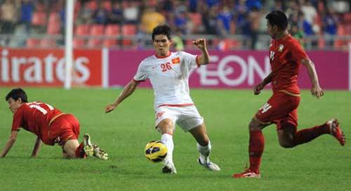 Thái Lan-Việt Nam: 4 bàn thắng, 1 thẻ đỏ - 1
