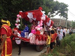 Clip rước dâu độc đáo bằng xe ngựa ở Thái Bình