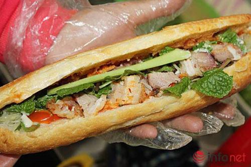 Lạ miệng với bánh mỳ heo quay Đà Nẵng tại Hà Nội - 1
