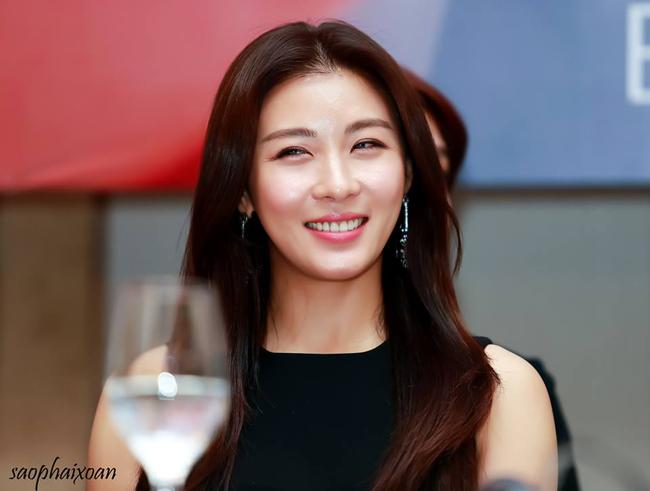 nhan sắc tuổi U40 của Hoàng hậu Ki-da dep dang xinh tuoi