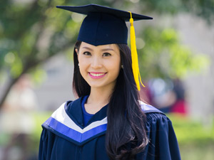 Miss Teen Diễm Trang nhận bằng tốt nghiệp loại giỏi