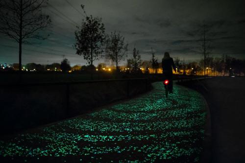 Đẹp ngỡ ngàng con đường phát sáng ở Hà Lan - 1