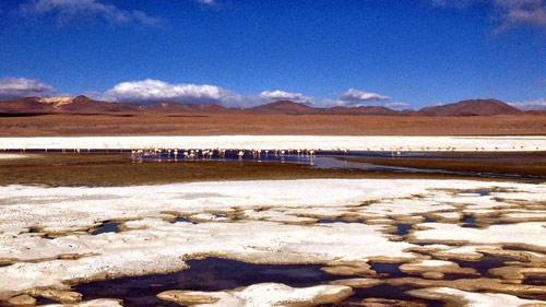 Ấn tượng hồ nước đỏ có một không hai thế giới - 3