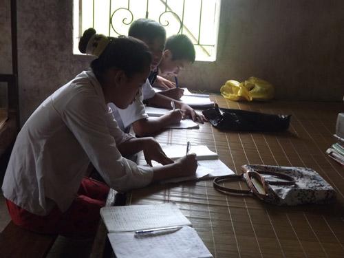 Người thầy tật nguyền dạy ngoại ngữ cho trẻ vùng cao - 2