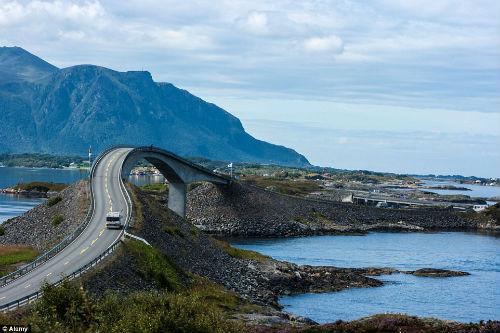 """Hú hồn với cây cầu """"say rượu"""" ở Na Uy - 1"""