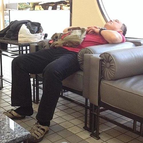 Việc của nàng là mua sắm, chàng chỉ việc... ngủ - 3