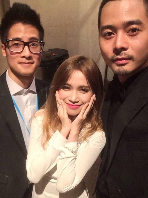 Sĩ Thanh du ngoạn Malaysia cùng 2 trai đẹp - 1