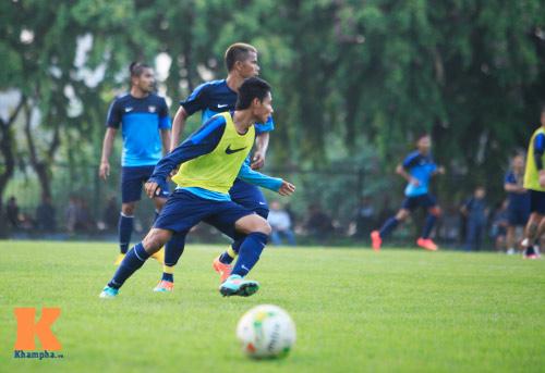 """Dàn cầu thủ nhập tịch Indonesia """"đe dọa"""" ĐTVN - 6"""