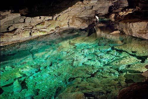 """Những viên """"kim cương"""" khổng lồ trong hang động ở Nga - 8"""