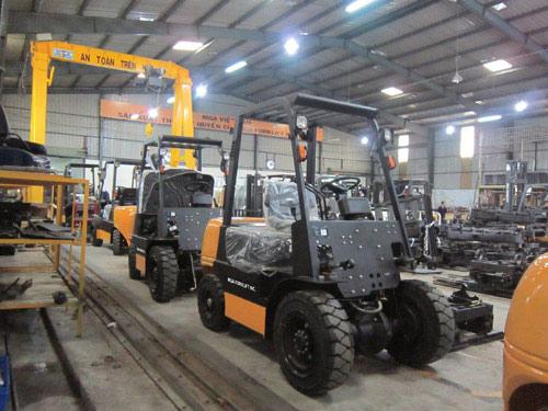 Xe nâng có nhà máy lắp ráp đầu tiên tại Việt Nam - 2