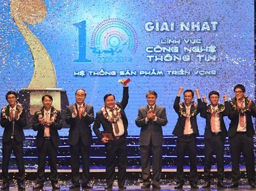 Lần đầu tiên Nhân tài Đất Việt có 3 quán quân - 3