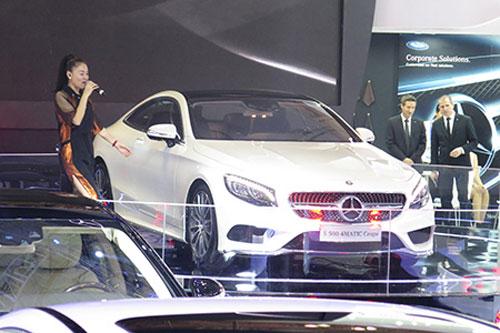 Mercedes-Benz ra mắt xe đắt nhất Vietnam Motor Show - 1